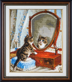 Kitty and the miror